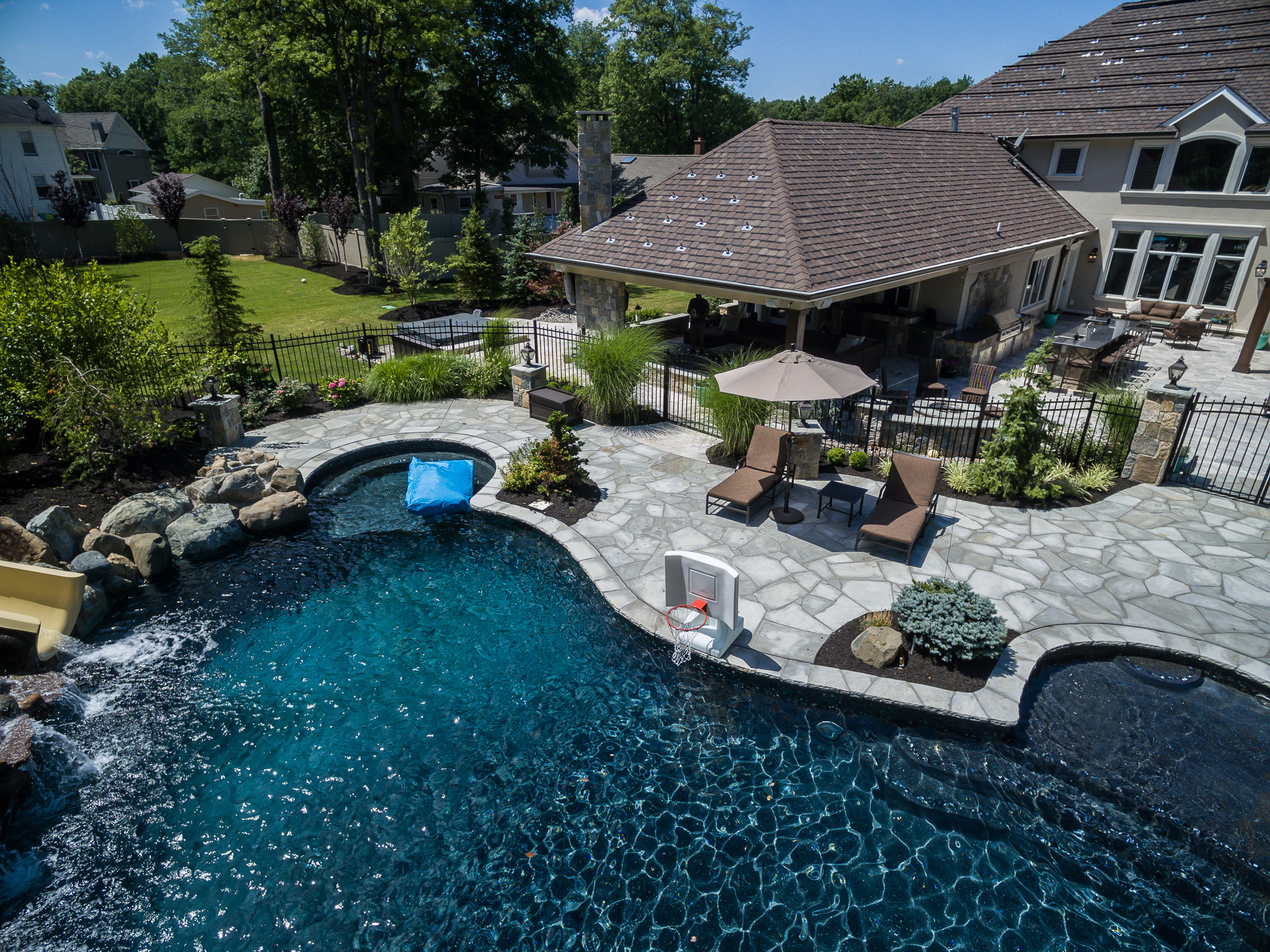 Inground pools livingston nj pools by design new jersey for Pool design new jersey