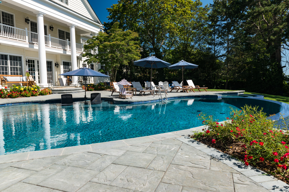 Pools by design vanishing edge pool new jersey for Pool design inc bordentown nj