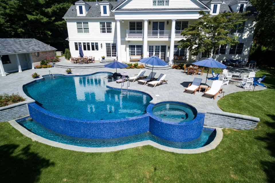Backyard pools by design outdoor goods for Pool design inc bordentown nj