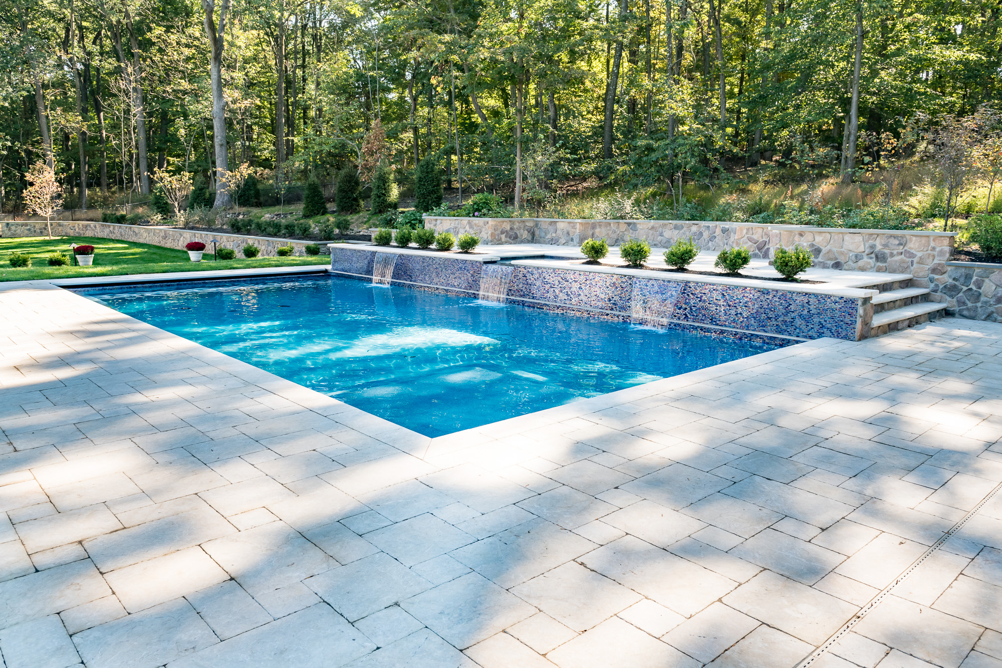 Inground pool and spa in watchung by pools by design nj for Pool design hamilton nj